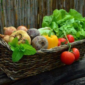 Kluczowe zasady w diecie, aby zachować piękną skórę